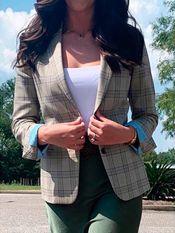 Women's Looks By Sales Professionals                                                                                                                                                                                                                      , Ragan M.<br />Mobile