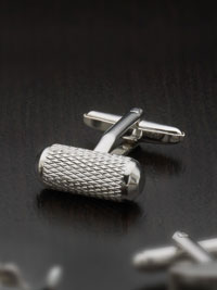 Anti-tarnish rhodium finish silver criss cross bar wtih swivel backing Cufflinks
